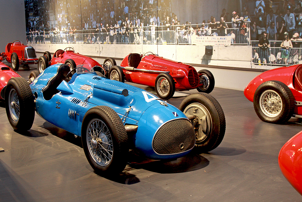 samochody wyscigowe muzeum