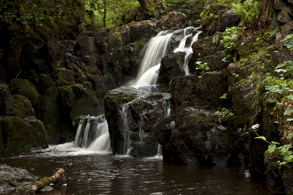wodospady Linn Jaw na rzece Linnhouse