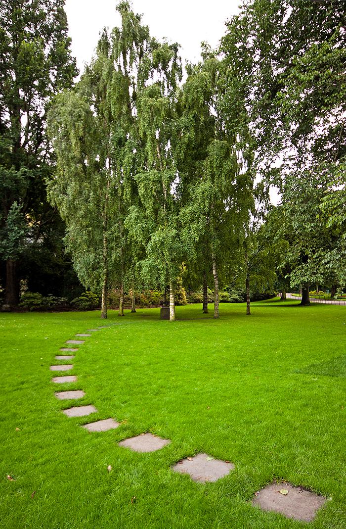 RLS memorial princes street gardens